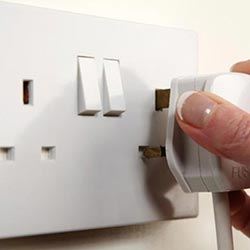 electrician-warrington-woolston